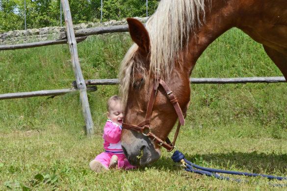 Giga con una piccola Amica